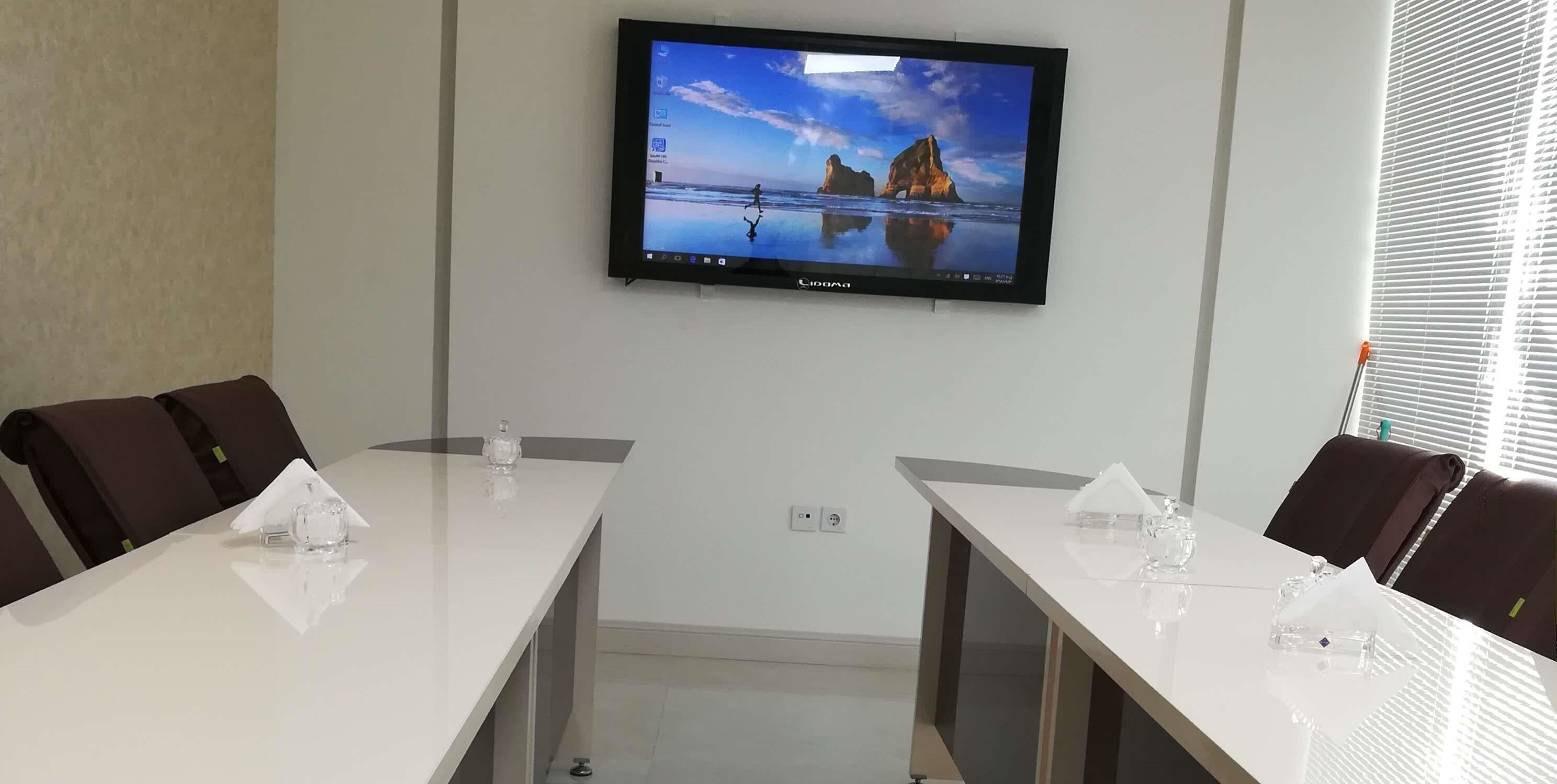 نمایشگر لمسی دیواری مسطح 55 اینچ استفاده شده در اتاق کنفرانس